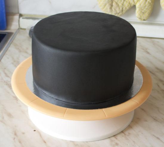 Сборка торта под мастику с бисквитным бортом