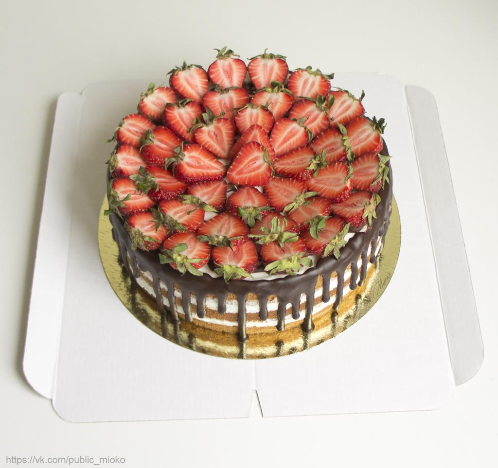 Творожно-сливочный торт с ягодами или фруктами от Миоко