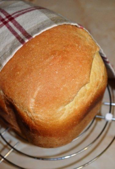 Белый хлеб на сыворотке и сметане