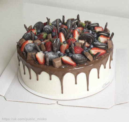 Шоколадный торт с маскарпоне и вишней от Миоко