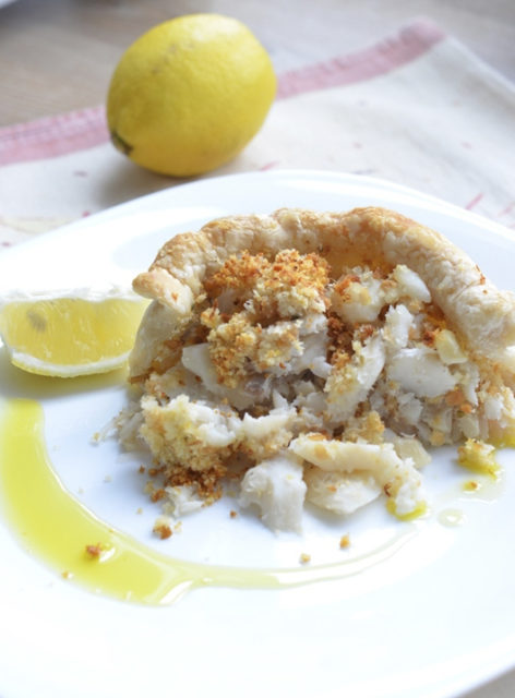 Итальянский рыбный пирог с хлебным штрейзелем