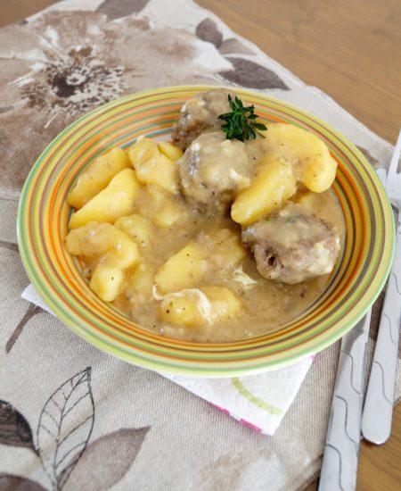 Юварлакя авголемоно (греческие фрикадельки в яично-лимонном соусе)