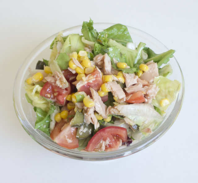 вас есть фото салат с тунцом и овощами сейчас идейные скрепы