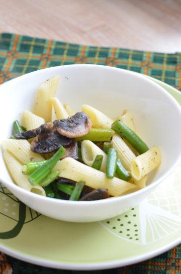 Паста с фасолью и грибами