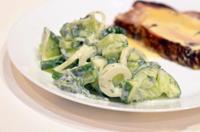 Огуречный салат с мятой по-турецки