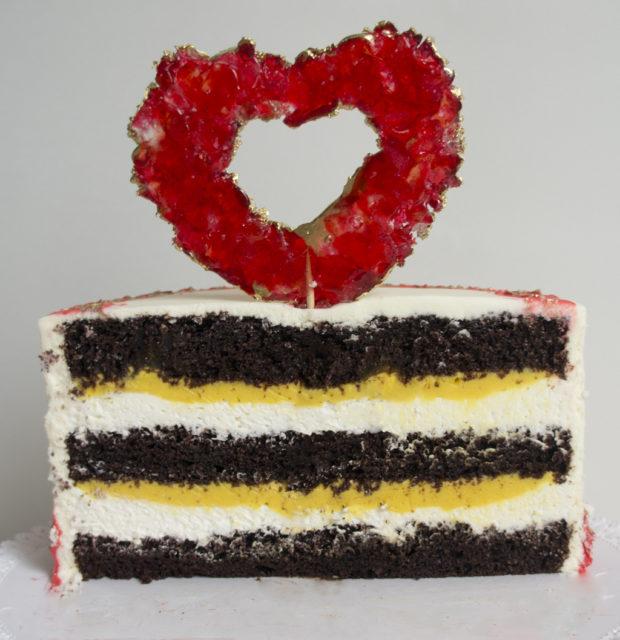 Торт «Passion» (шоколадный торт с ганашем манго-маракуйя)
