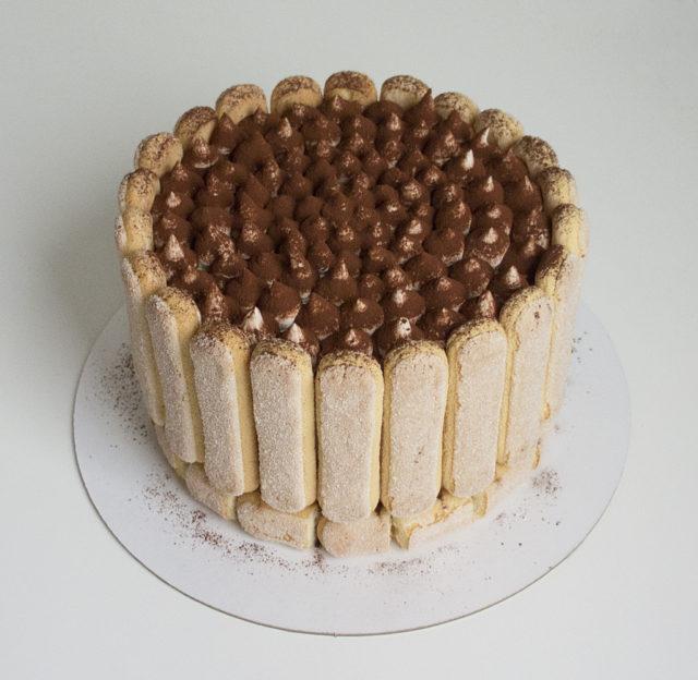 Торт «Тирамису» с кофейной намелакой