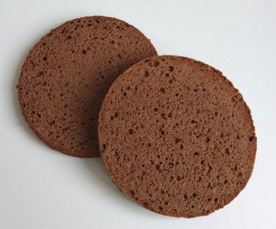 Шоколадный бисквит (с шоколадом и сливочным маслом)