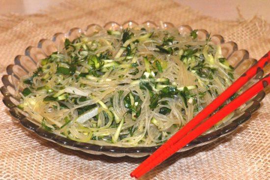 Салат «Зеленая фунчоза»