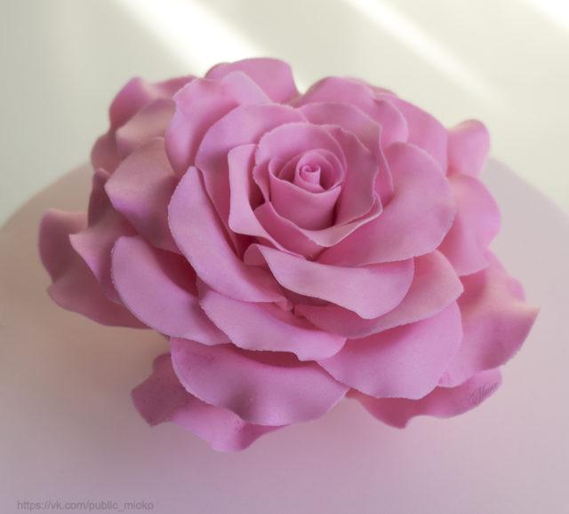 Розы из мастики МК (пятилистники)