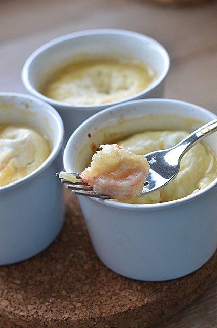 Яйцо-кокот с креветками