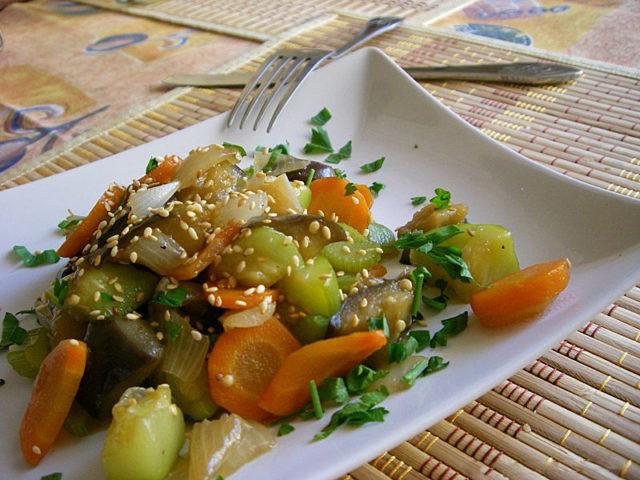 Овощи «РАНЧ» в медово-соевой карамели