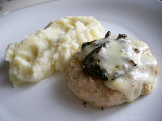 Куриные шанежки с грибной начинкой
