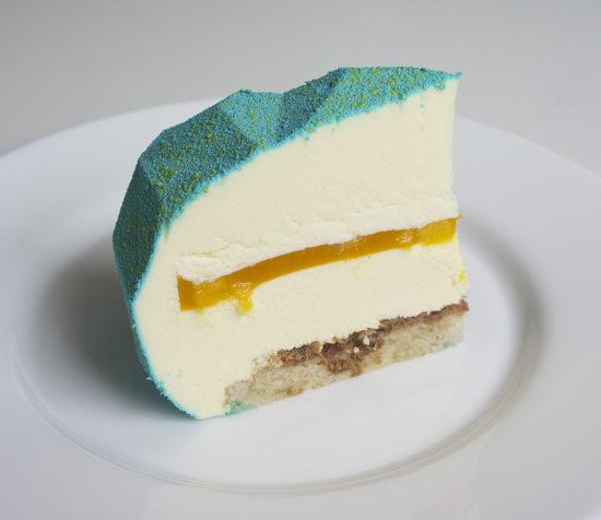 Муссовый торт «Манго-маракуйя»