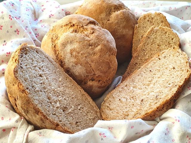Литовские ржано-пшеничные булочки с тмином по старинному рецепту